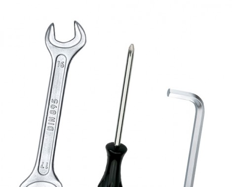 WRENCHES AND SETS